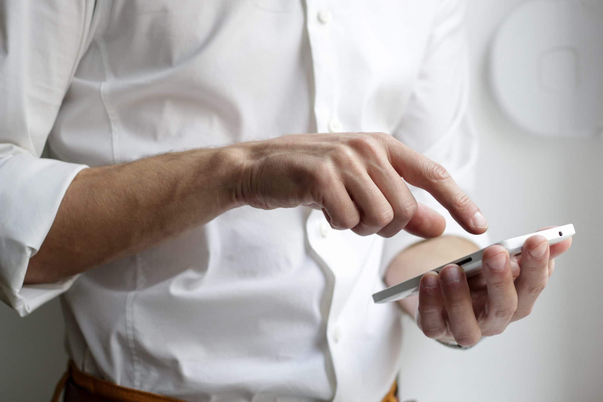 Consument vult een Net Promotor Score vragenlijst in